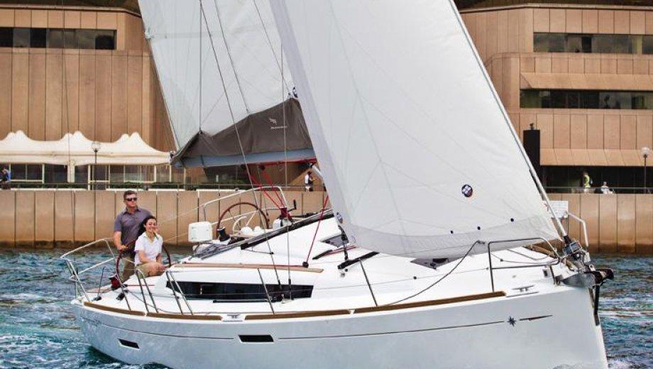 Sun Odyssey 389 - Werftbild